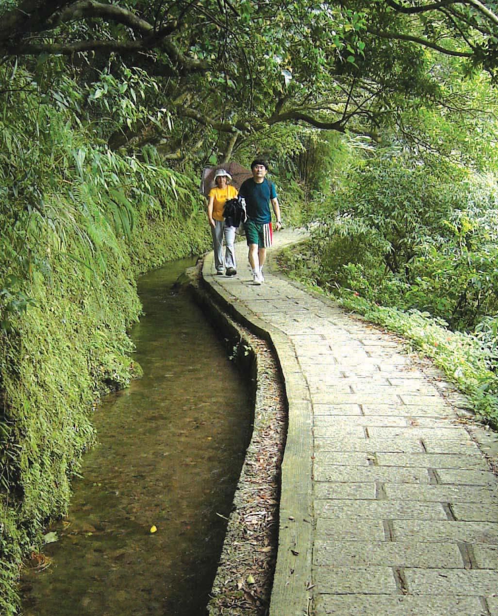 坪頂古圳步道是非常適合夏季避暑的懷古步道