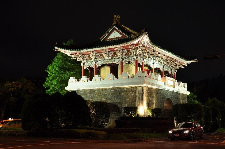 相片5-麗正門(南門)夜間燈光