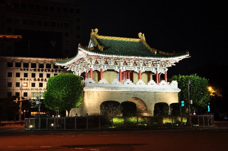 相片2-景福門(東門)夜間燈光