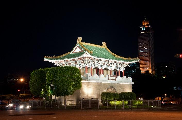 相片1-景福門(東門)夜間燈光