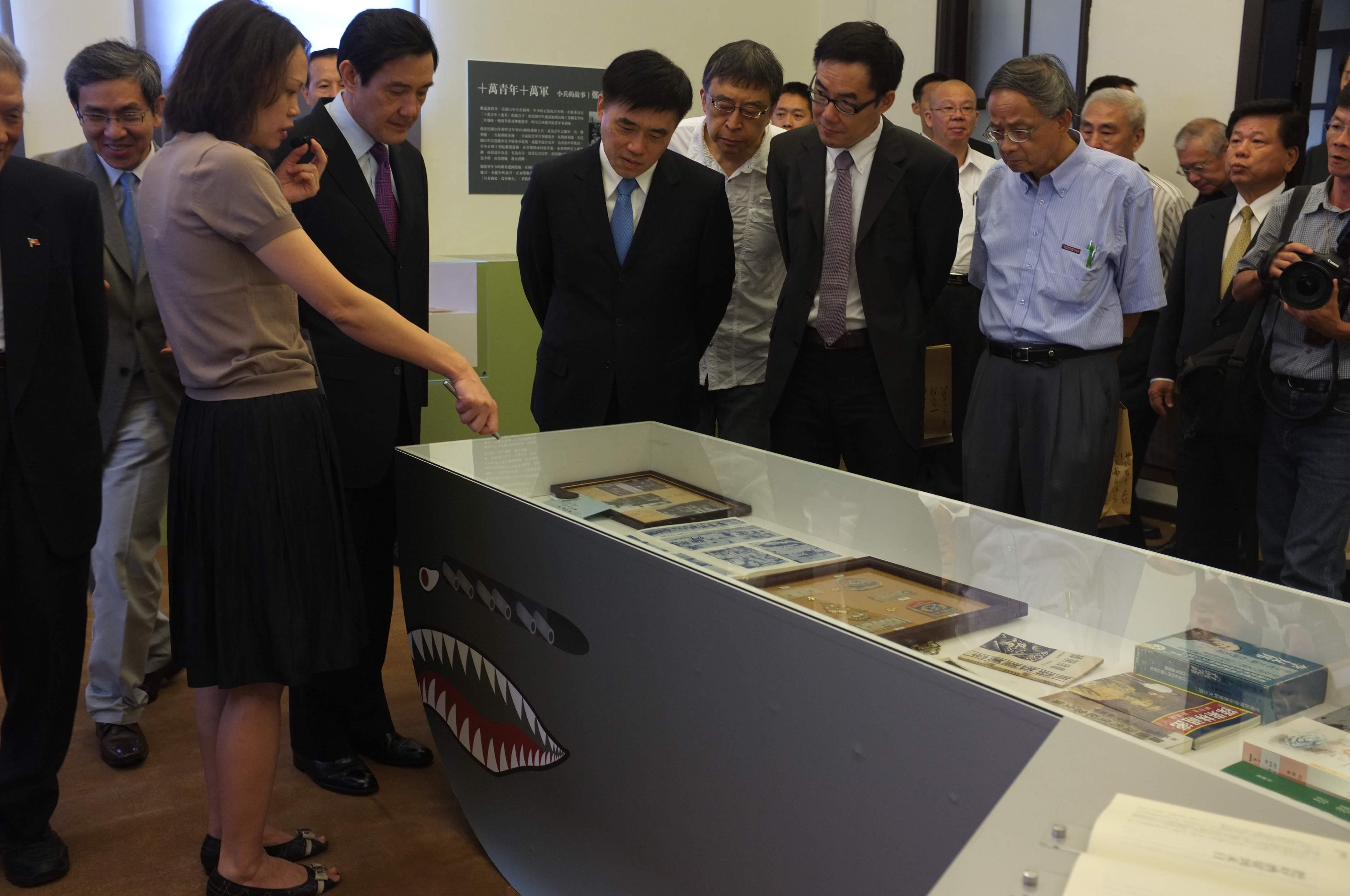 圖表:馬英九總統及郝龍斌市長參觀展場。