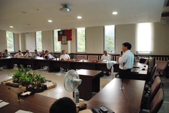 Photo: Dr. Wang Wen-jiang lectured in Taipei Feitsui Reservoir Administration.