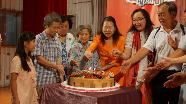 (另開視窗)臺慶切蛋糕18