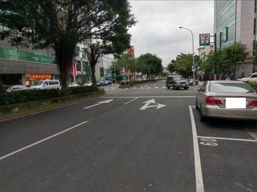 Updates, markings and parking space redrawing on Singjhong Road