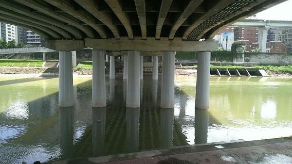 南湖大橋耐震補強-鋼板包覆