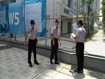 照片06-選手村維安人員巡簽