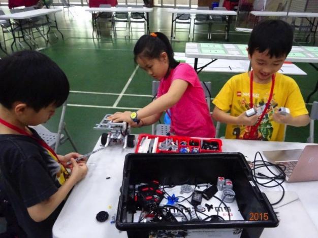 組裝機器人2