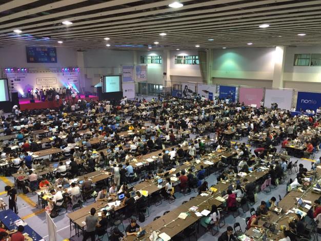 2016 Hack NTU,活動現場聚集台灣及世界各地共650名選手,活動於21日順利圓滿結束。