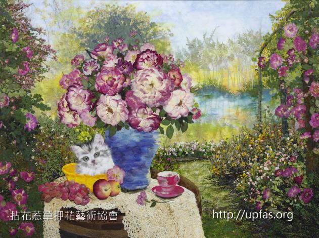 圖5、玫瑰、貓咪栩栩如生的押花藝術作品,映如眼簾。