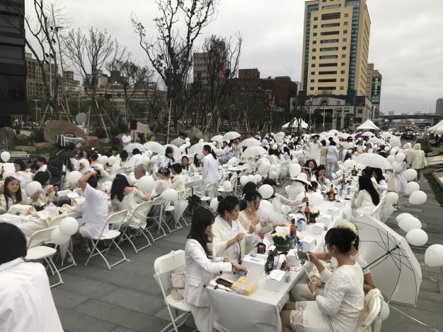 白色野餐1