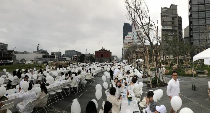 白色野餐2