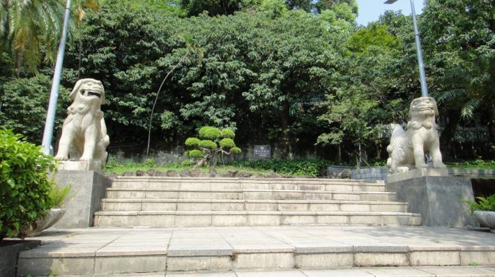 圖3、劍潭公園一對石狛犬
