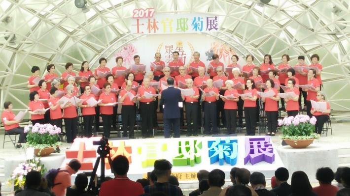 圖9.11月26日吉林退休老師合唱團精彩表演