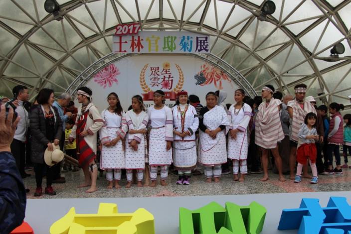 圖4. 12月2日傌儷芭里文化藝術團帶來精彩歌舞,並開放民眾體驗太魯閣族獨有樂器[開啟新連結]