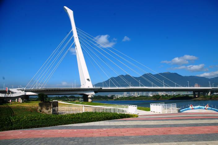 假日好去處 社子大橋下變身遊樂新天地
