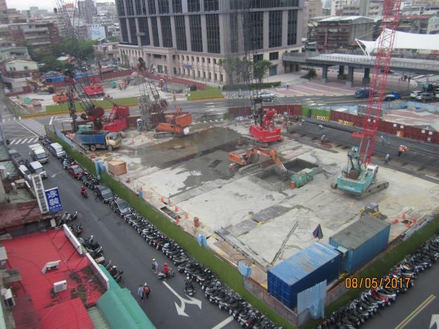 萬華車站前廣場用地地下停車場工程開工照片3