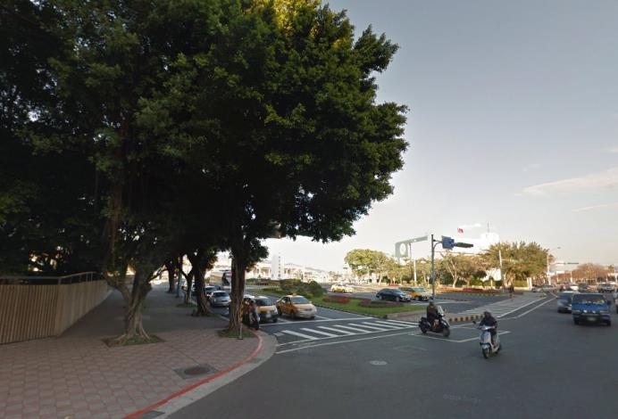 交通部民用航空局辦理為改善松山機場國門意象取得入口處私有土地案完工照片1[開啟新連結]