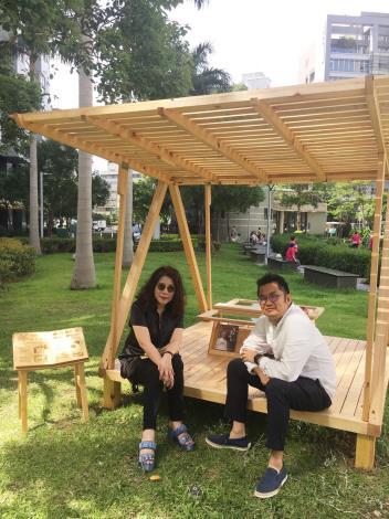 圖1、陳文茜現身,與設計師陳秉信交流。