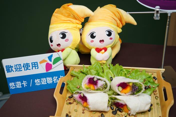 圖5.花博農民市集推出涼夏健康蔬果卷DIY,健康清爽好滋味。