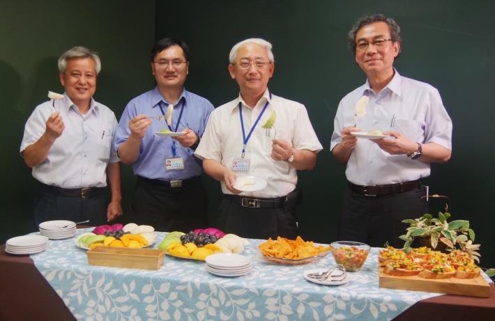 圖2.臺北花博農民市集嚴選夏季優質農特產品-當令多汁又甜美的滋味等您來市集品嘗。