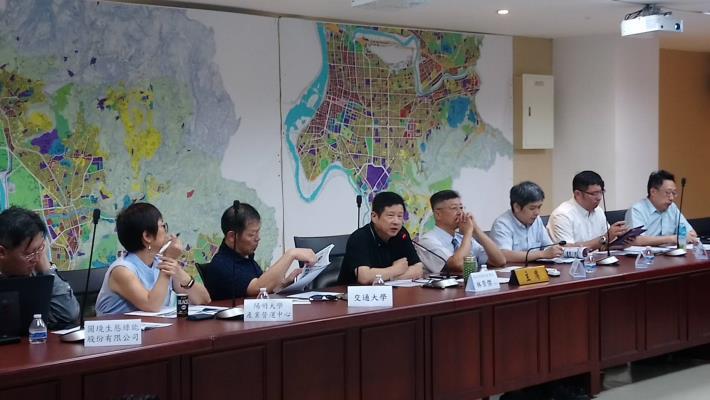 圖.北市府產業局林崇傑局長與企業座談,表示未來臺北市政府將以T16、T17、T18作為科技產[另開新視窗]
