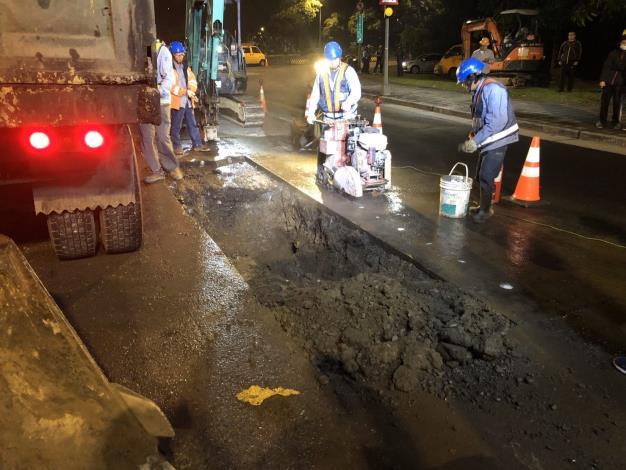 中油公司於昨(13)日夜間開挖成功路