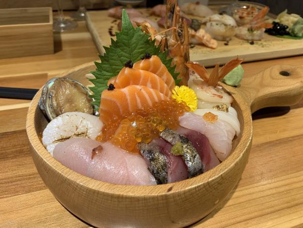 圖5、「合掌村」的海鮮丼是店內的人氣必點。