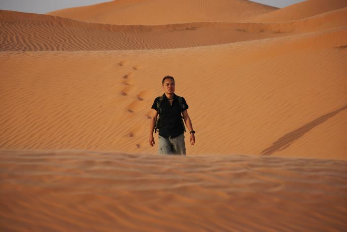 草地講堂講師馬儁人在突尼西亞大沙漠流浪