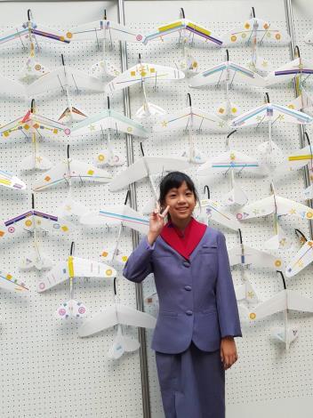 安坑國小六年級洪韻涵小朋友分享自己最喜歡在松山機場的飛機模型體驗課程
