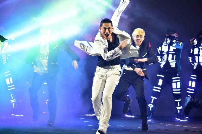 「國民姊夫」EXILE AKIRA為2020台北燈節領銜的特別演出。.JPG
