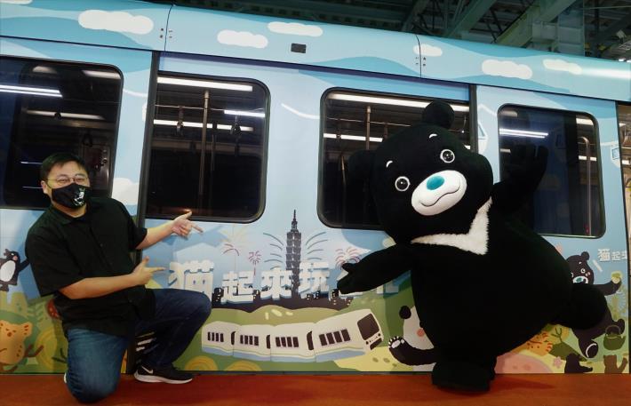 猫起來玩台北彩繪列車即日起至110年3月15日於文湖線行駛,歡迎大家一起來搭乘體驗。