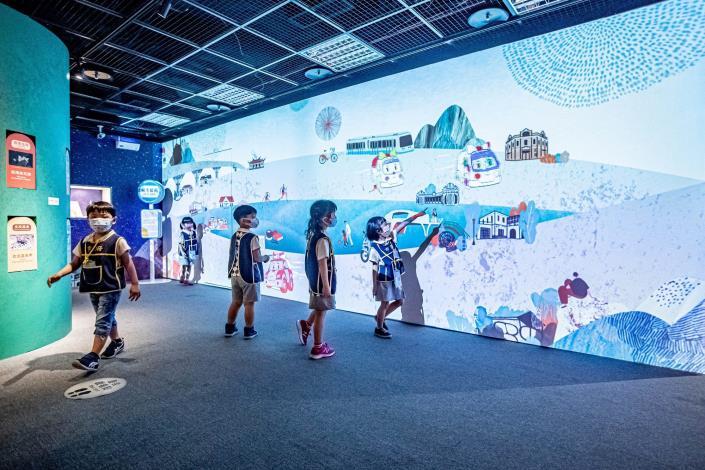 台北探索館「台北無圍牆博物館特展─波力玩台北」透過趣味滿點的互動遊戲,認識台北無圍牆博物館的故事