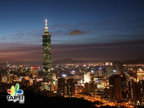 象山鳥瞰台北市夜景
