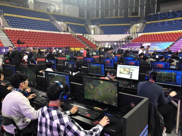 「Holyland電競節X校際電競公開賽」自3月9日至3月11日在台北和平籃球館舉行。[開啟新連結]