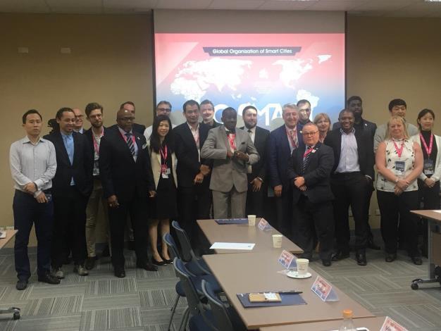 圖說:與會海外城市代表出席「GO SMART」Workshop,彼此交流分享智慧城市經驗。[開啟新連結]