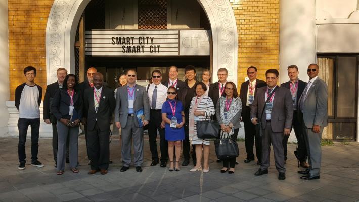 來自多明尼加、菲律賓、日本、賽普勒斯、希臘及紐西蘭外賓參觀臺北創新中心。[開啟新連結]