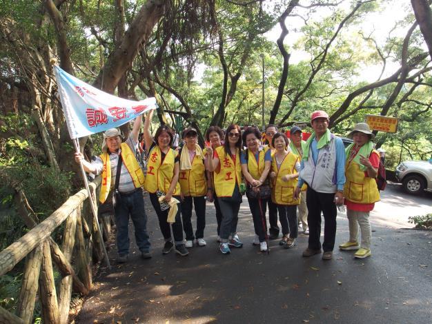 志工熱情參加淨山活動