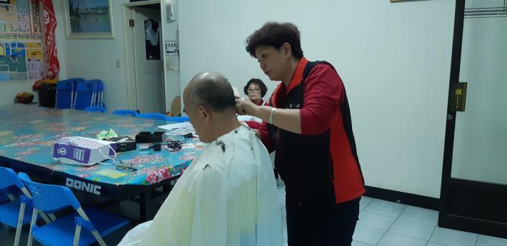 1080313里辦長者剪髮服務