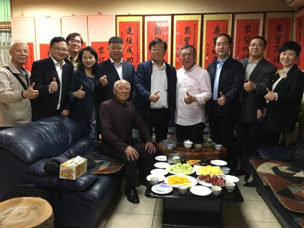 上海普陀區周區長率隊參訪里辦公處