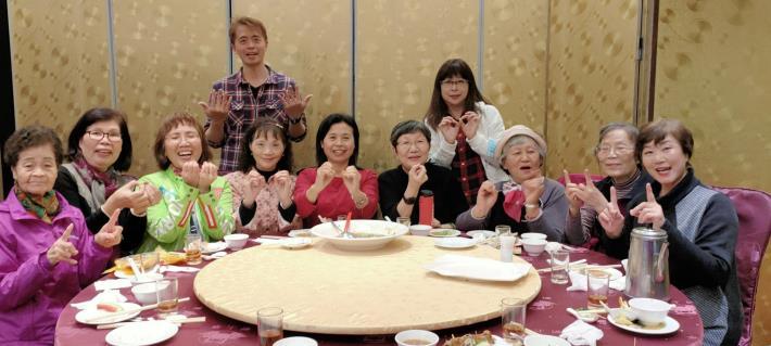 臺北市大同區公所愛心志工服務隊110年3月份餐會合影