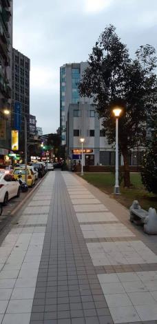 永盛公園及住都中心綠地--增設綠燈