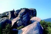 大金面山頂巨石崢嶸