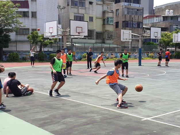 比賽開始-國男組競爭激烈