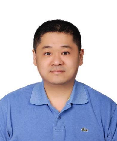 蔡岳樺大頭照