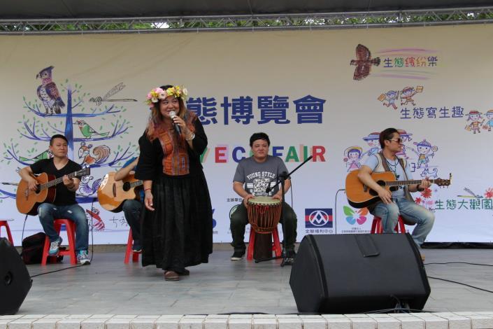 桑梅娟以排灣族古調歌聲帶來民族風情[開啟新連結]