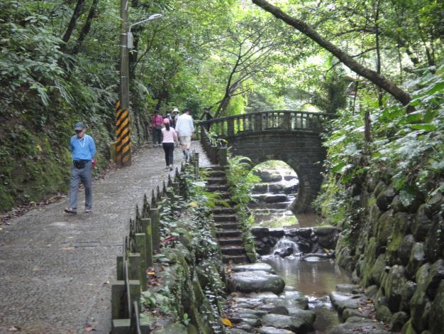 親山樂水的虎山溪步道