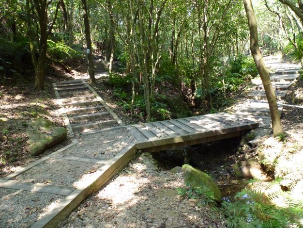 兼具林蔭親水的碧溪步道