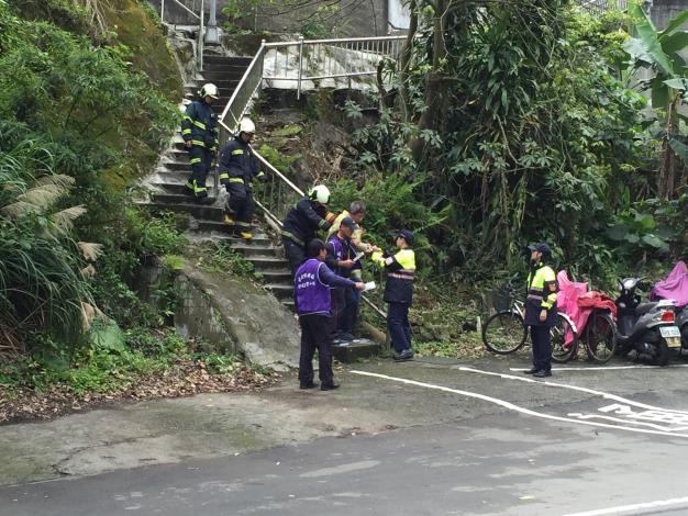 每年臺北市政府工務局大地工程處針對老舊聚落辦理疏散避難演練,協助保全住戶熟練疏散流程、路線及避難地點。