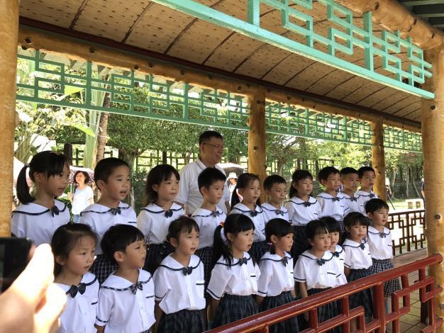 圖7.2017大王蓮奇幻漂浮臺北市長柯文哲參加開幕活動