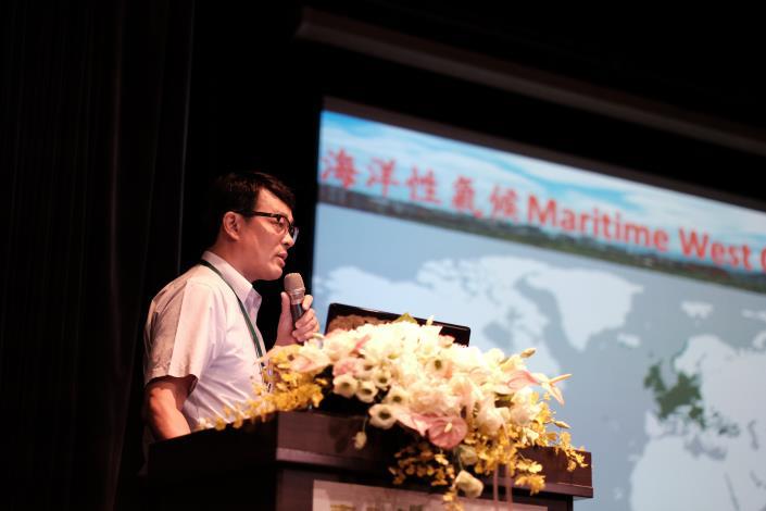 16李天浩副教授主講台北盆地水旱熱災的減輕策略及公園綠地的角色[開啟新連結]